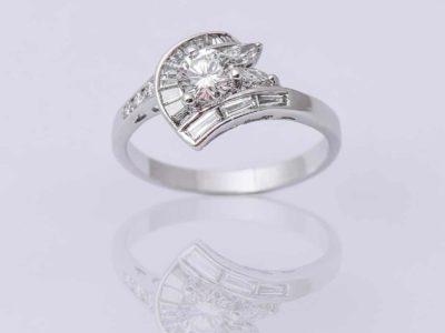 Hvitt gulls Diamantring